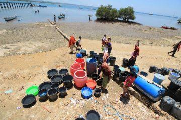 Siasat Warga Gili Bertahan Tanpa Air Bersih